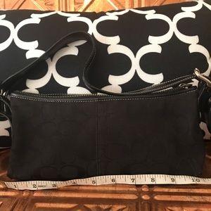 Very used Coach black shoulder bag